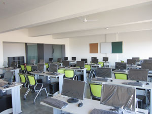 Sanghavi College of Engineering - State-of-the art Computer Labs